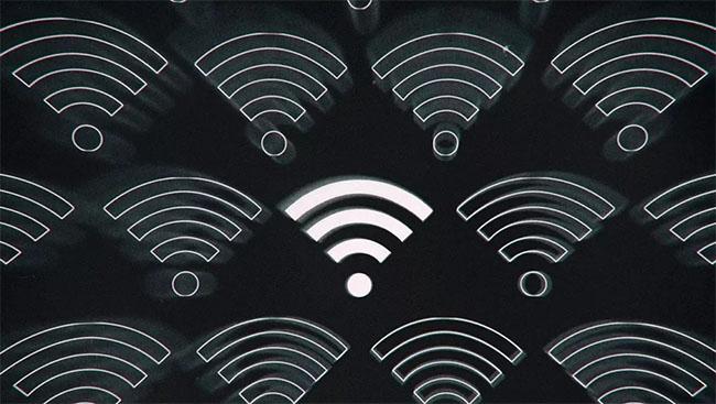 اندروید ۱۲ اشتراک گذرواژه وای فای را با دستگاههای نزدیک ممکن میکند