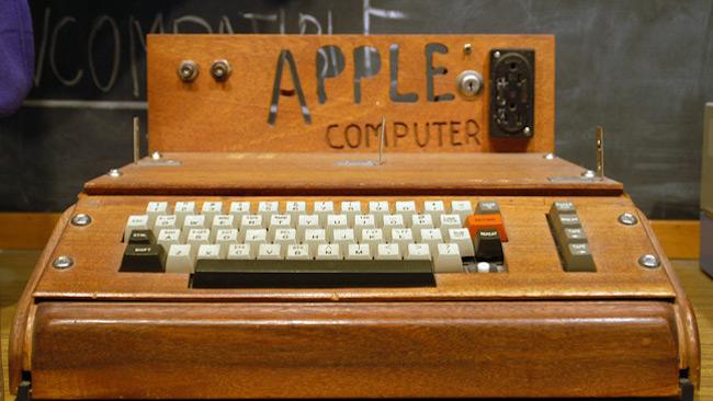 یک کامپیوتر اپل ۱ با قیمت ۱.۵ میلیون دلار برای فروش قرار گرفت