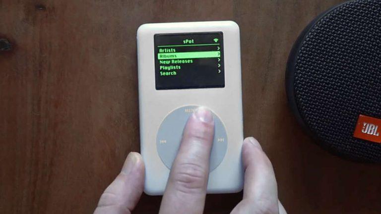 فردی با هک کردن آیپاد ۱۷ ساله، موفق به استریم ترانههای اسپاتیفای شد